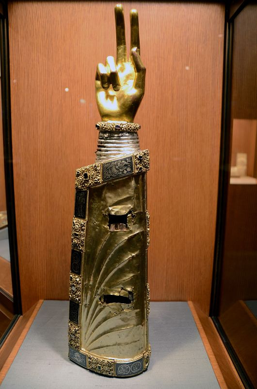 Arm reliquary in cloisters.png