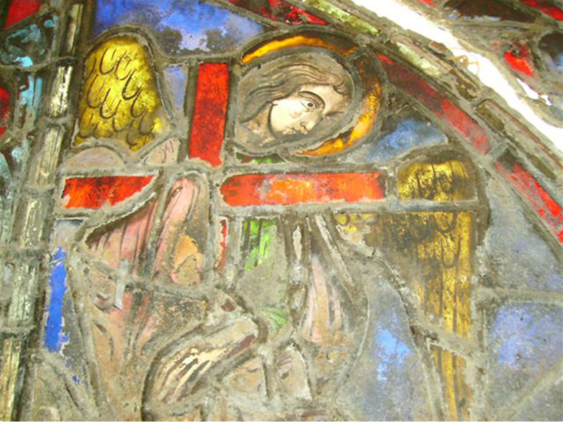 unrestored glass at ste chapelle